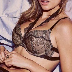 Victoria's Secret very sexy push-up pigeonnant bra